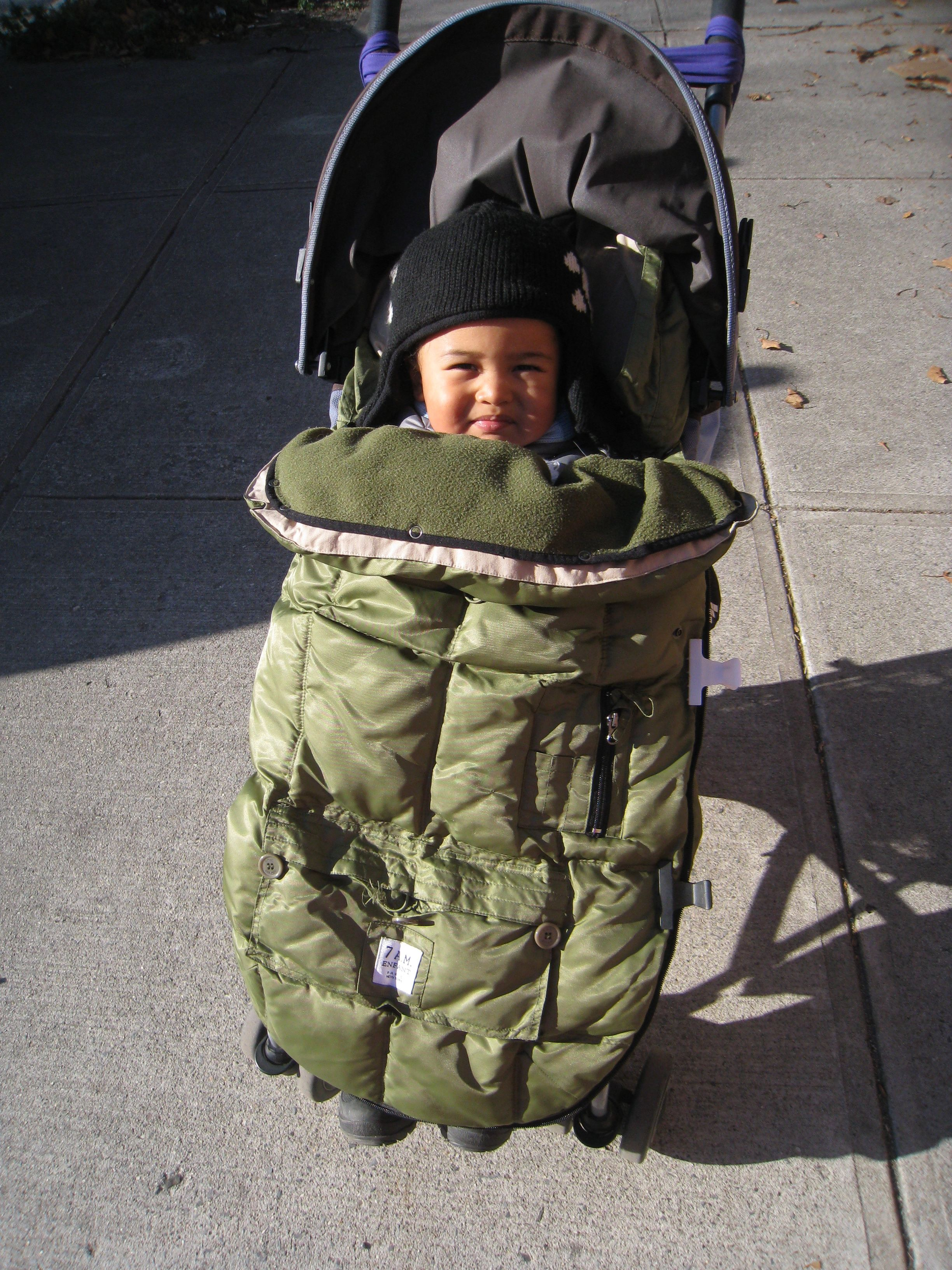 赤ちゃんの冬支度〜外出にはベビーカーフットマフが必需品!