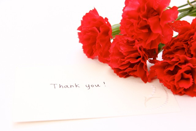 母の日の由来〜カーネーションと花言葉、意味、色を信じますか?